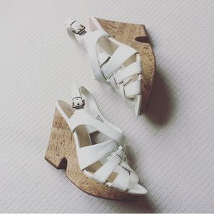 A.n.a wedged heels